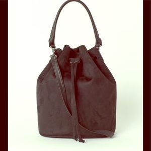 Divided H&M black man-made leather bucket bag.